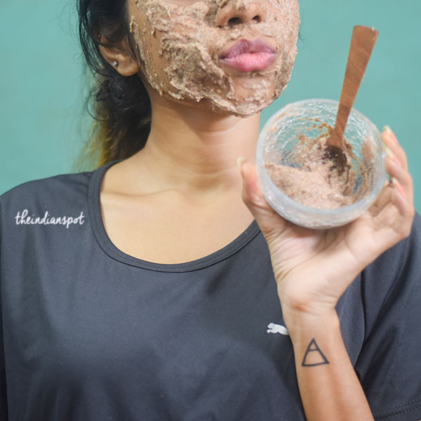 Firm, plump and tighten skin with flaxseed mask