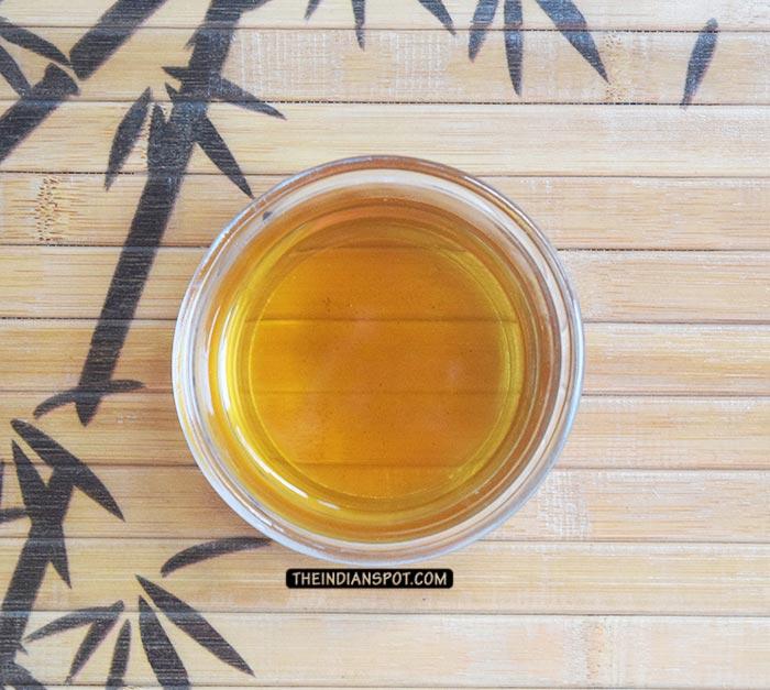 DIY TEA TREE OIL SKIN CLEARING TONER