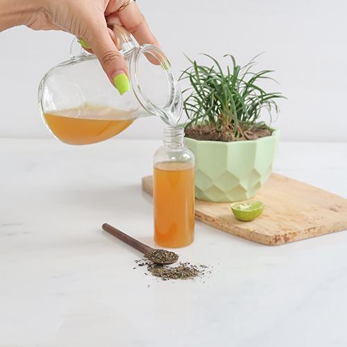 GREEN TEA FACE MIST TO REDUCE AND TIGHTEN PORES