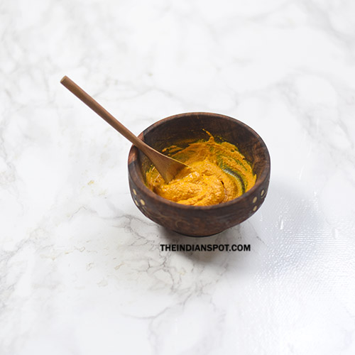 REMOVE UNWANTED HAIR WITH TURMERIC MASK